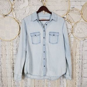 Banana Republic Womens Light Wash Denim Shirt
